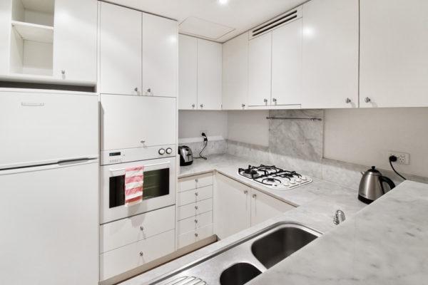 m-cbd-ltc-180-4-kitchen-2